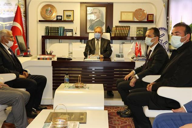 Şanlıurfa'da Yeniden Refah Partisi Genel Başkanı Dr. Fatih Erbakan, Il Müftüsü Mehmet Taştan'ı Makamında Ziyaret Etti.