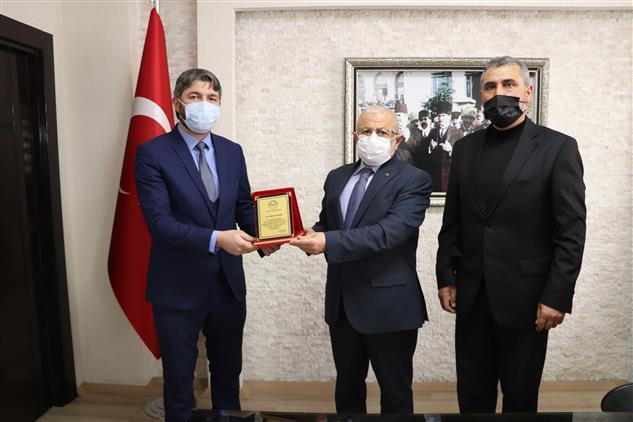 Sivas'ta Zara Gençlik Koordinatörü çelebi, Müftü Akkuş'a Veda Ziyaretinde Bulundu