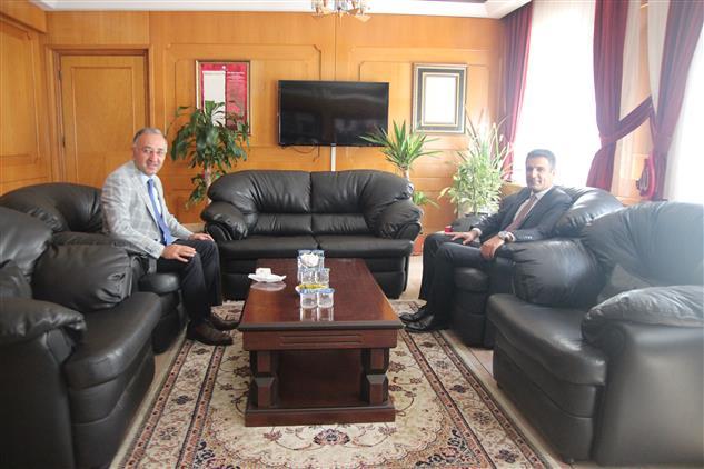 Izmir Vergi Dairesi Başkanı Alanlı'dan Il Müftümüz Sezik'e Hayırlı Olsun Ziyareti